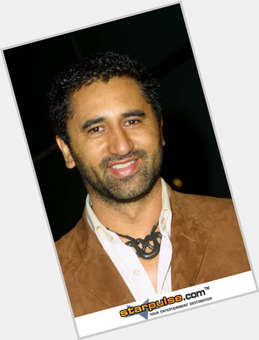 "<a href=""/hot-men/cliff-curtis/is-he-married-indian-body-proof-black-hispanic"">Cliff Curtis</a> Average body,  black hair & hairstyles"