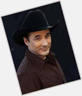 "<a href=""/hot-men/clint-black/is-he-roy-rogers-son-married-still-movie"">Clint Black</a> Average body,  dark brown hair & hairstyles"
