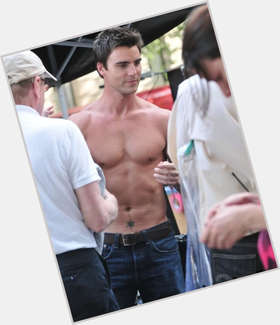 "<a href=""/hot-men/colin-egglesfield/is-he-married-related-tom-cruise-dating-anyone"">Colin Egglesfield</a> Athletic body,  black hair & hairstyles"