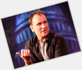 "<a href=""/hot-men/colin-quinn/is-he-married-homosexual-republican-funny-irish-dating"">Colin Quinn</a> Average body,  light brown hair & hairstyles"
