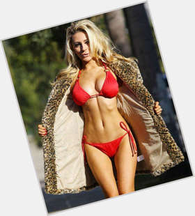 "<a href=""/hot-women/courtney-stodden/is-she-still-married-really-18-drugs-19"">Courtney Stodden</a> Voluptuous body,  blonde hair & hairstyles"