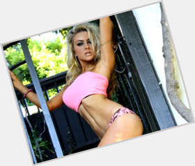 Courtney Stodden blonde hair & hairstyles Voluptuous body,
