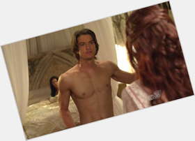 "<a href=""/hot-men/craig-horner/is-he-married-and-bridget-regan-dating-single"">Craig Horner</a> Athletic body,  dark brown hair & hairstyles"
