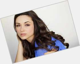 "<a href=""/hot-women/crystal-reed/is-she-single-dating-anyone-married-pretty-daniel"">Crystal Reed</a> Slim body,  dark brown hair & hairstyles"