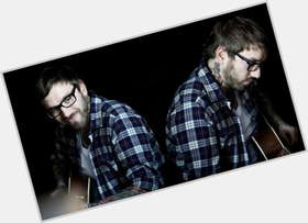 "<a href=""/hot-men/dallas-green/is-he-married-atheist-christian-still-douche-religious"">Dallas Green</a> Average body,  light brown hair & hairstyles"