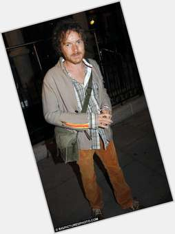 "<a href=""/hot-men/damien-rice/is-he-christian-married-still-making-music-recording"">Damien Rice</a> Average body,"