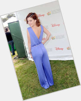 "<a href=""/hot-women/dani-thorne/is-she-bi-2014"">Dani Thorne</a> Slim body,  dark brown hair & hairstyles"