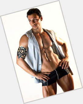 "<a href=""/hot-men/daniele-interrante/is-he-bi-2014"">Daniele Interrante</a> Athletic body,  dark brown hair & hairstyles"