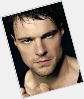 "<a href=""/hot-men/danila-kozlovsky/is-he-married-tall"">Danila Kozlovsky</a> Athletic body,  dark brown hair & hairstyles"