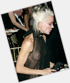 "<a href=""/hot-women/daphne-guinness/is-she-married-anorexic-drugs-why-famous-dating"">Daphne Guinness</a> Slim body,  blonde hair & hairstyles"