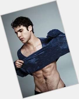 "<a href=""/hot-men/darren-criss/is-he-gay-dating-bi-balding-married-lucy"">Darren Criss</a> Athletic body,  black hair & hairstyles"