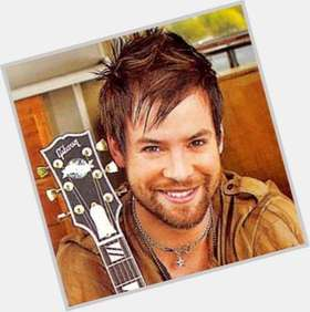 "<a href=""/hot-men/david-cook/is-he-christian-dating-anyone-married-single-still"">David Cook</a> Average body,  dark brown hair & hairstyles"