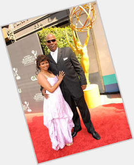 "<a href=""/hot-women/debbi-morgan/is-she-really-pregnant-leaving-blind-real"">Debbi Morgan</a> Average body,  dark brown hair & hairstyles"