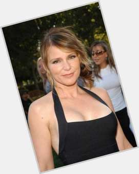 "<a href=""/hot-women/dedee-pfeiffer/is-she-married-related-michelle-dating"">Dedee Pfeiffer</a> Slim body,  light brown hair & hairstyles"