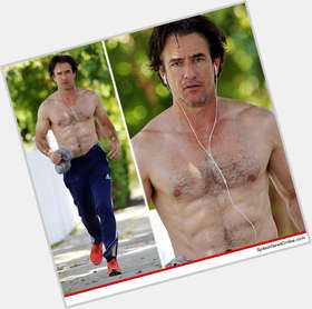 "<a href=""/hot-men/dermot-mulroney/is-he-married-homosexual-related-brian-abduction-sylvester"">Dermot Mulroney</a> Average body,  dark brown hair & hairstyles"