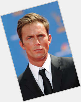 Desmond Harrington light brown hair & hairstyles Athletic body,