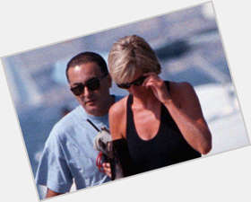 "<a href=""/hot-men/dodi-fayed/is-he-still-alive-where-buried-wie-al"">Dodi Fayed</a> Athletic body,  dark brown hair & hairstyles"