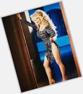 "<a href=""/hot-women/dolly-parton/is-she-married-bald-still-carl-dean-kenny"">Dolly Parton</a> Slim body,  blonde hair & hairstyles"