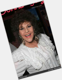 "<a href=""/hot-women/donna-fargo/is-she-still-living-alive-married-sick-singing"">Donna Fargo</a> Average body,  dark brown hair & hairstyles"