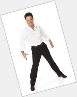 "<a href=""/hot-men/donny-osmond/is-he-sick-still-mormon-alive-getting-divorced"">Donny Osmond</a> Average body,  dark brown hair & hairstyles"