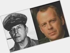 "<a href=""/hot-men/douglas-macarthur/is-he-macarthurs-son-still-alive-hero-married"">Douglas Macarthur</a> Average body,"