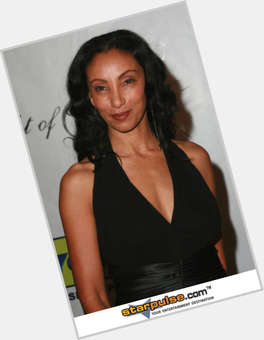 "<a href=""/hot-women/downtown-julie-brown/is-she-black-racist-where-now-today-what"">Downtown Julie Brown</a> Slim body,  black hair & hairstyles"