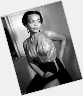 "<a href=""/hot-women/eartha-kitt/is-she-still-alive-or-biracial-kitts-daughter"">Eartha Kitt</a> Average body,  dark brown hair & hairstyles"