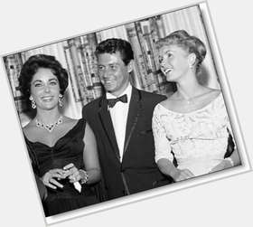 "<a href=""/hot-men/eddie-fisher/is-he-still-alive-or-where-buried-today"">Eddie Fisher</a> Average body,  dark brown hair & hairstyles"