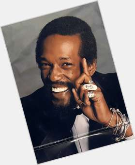 "<a href=""/hot-men/eddie-kendricks/is-he-still-alive-death-where-buried-son"">Eddie Kendricks</a> Slim body,  dark brown hair & hairstyles"