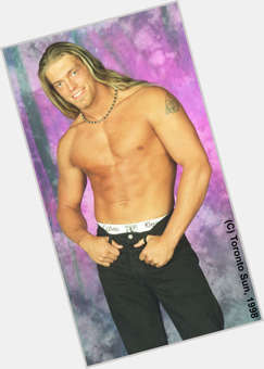 "<a href=""/hot-men/edge/is-he-adam-copeland-married-haven-still-dating"">Edge WWE</a> Athletic body,  blonde hair & hairstyles"