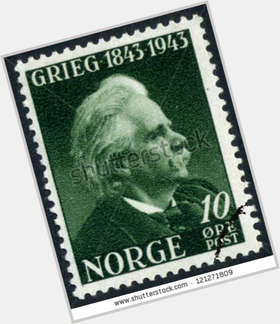 "<a href=""/hot-men/edvard-grieg/is-he-romantic-composer-why-famous-where-buried"">Edvard Grieg</a> Average body,  grey hair & hairstyles"