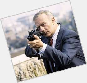 "<a href=""/hot-men/edward-woodward/is-he-still-alive-or-hot-fuzz-his"">Edward Woodward</a> Average body,  grey hair & hairstyles"