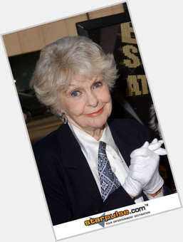 "<a href=""/hot-women/elaine-stritch/is-she-ill-sick-alive-alcoholic-why-moving"">Elaine Stritch</a> Slim body,  grey hair & hairstyles"
