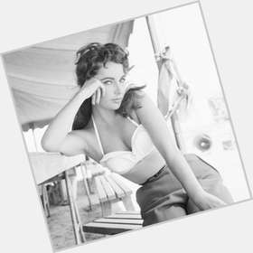 "<a href=""/hot-women/elizabeth-taylor/is-she-still-alive-or-deceased-eye-color"">Elizabeth Taylor</a> Voluptuous body,  dark brown hair & hairstyles"