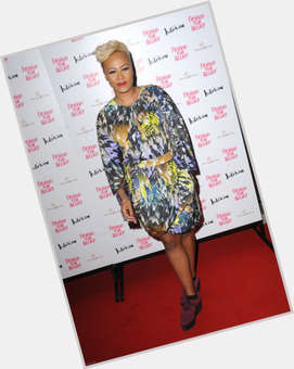 "<a href=""/hot-women/emeli-sande/is-she-christian-married-black-or-white-next"">Emeli Sande</a> Slim body,  blonde hair & hairstyles"
