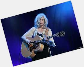 "<a href=""/hot-women/emmylou-harris/is-she-married-christian-native-american-hair-color"">Emmylou Harris</a> Slim body,  black hair & hairstyles"