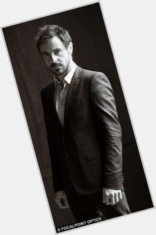 "<a href=""/hot-men/emun-elliott/is-he-married-single-related-marc-elliot-girlfriend"">Emun Elliott</a>  light brown hair & hairstyles"
