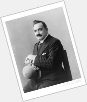 "<a href=""/hot-men/enrico-caruso/is-he-where-buried-why-famous-love-mine"">Enrico Caruso</a>"