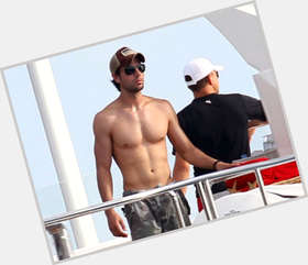 "<a href=""/hot-men/enrique-iglesias/is-he-married-single-hispanic-white-hot-circumcised"">Enrique Iglesias</a> Athletic body,  dark brown hair & hairstyles"