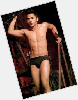 "<a href=""/hot-men/enzo-pineda/is-he-tall"">Enzo Pineda</a> Athletic body,"