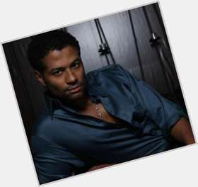 Eric Benet dark brown hair & hairstyles Athletic body,