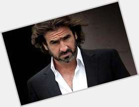 "<a href=""/hot-men/eric-cantona/is-he-fall-gypsy-twitter-labyrinth-elizabeth-running"">Eric Cantona</a> Athletic body,  dark brown hair & hairstyles"