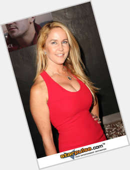 "<a href=""/hot-women/erin-murphy/is-she-married-twin-still-alive-where-now"">Erin Murphy</a> Average body,  blonde hair & hairstyles"