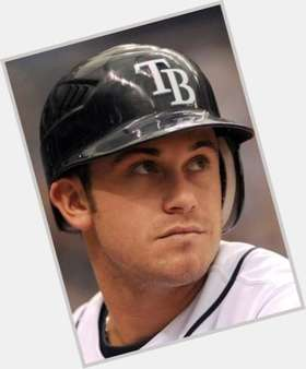 "<a href=""/hot-men/evan-longoria/is-he-married-eva-longorias-brother-related-hispanic"">Evan Longoria</a> Athletic body,  dark brown hair & hairstyles"
