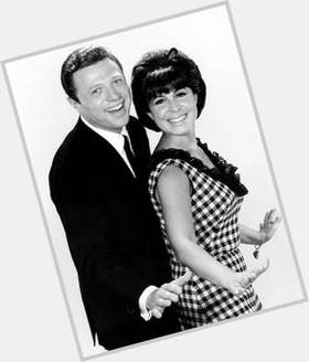 "<a href=""/hot-women/eydie-gorme/is-she-still-alive-sick-hispanic-performing-italian"">Eydie Gorme</a> Average body,  light brown hair & hairstyles"