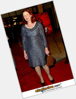 "<a href=""/hot-women/frances-conroy/is-she-blind-one-eye-coven-married-really"">Frances Conroy</a> Average body,  red hair & hairstyles"