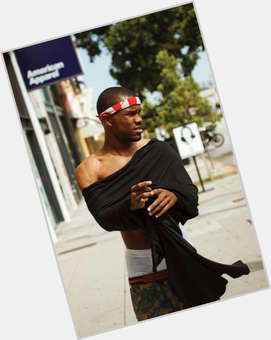 "<a href=""/hot-men/frank-ocean/is-he-gay-or-bi-odd-future-bisexual"">Frank Ocean</a> Average body,  bald hair & hairstyles"