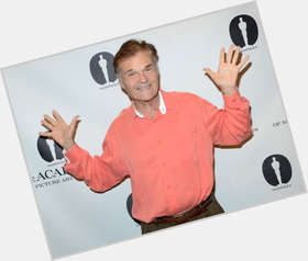 "<a href=""/hot-men/fred-willard/is-he-anchorman-2-married-mormon-replacing-chevy"">Fred Willard</a> Average body,  dark brown hair & hairstyles"
