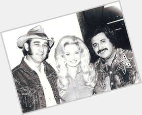 "<a href=""/hot-men/freddy-fender/is-he-still-alive-or-mexican-living-black"">Freddy Fender</a> Average body,  salt and pepper hair & hairstyles"