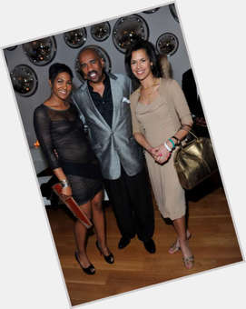 "<a href=""/hot-women/fredricka-whitfield/is-she-married-pregnant-black-mother-white-now"">Fredricka Whitfield</a> Slim body,  dark brown hair & hairstyles"